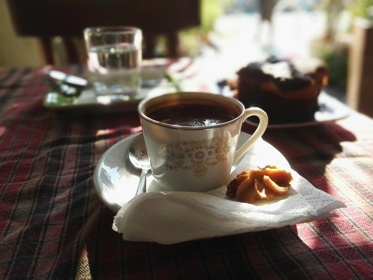 Turkish coffee and cake