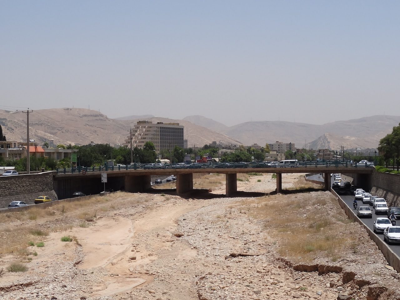 The appropriately named Dry River - Homa Hotel in the background on the left