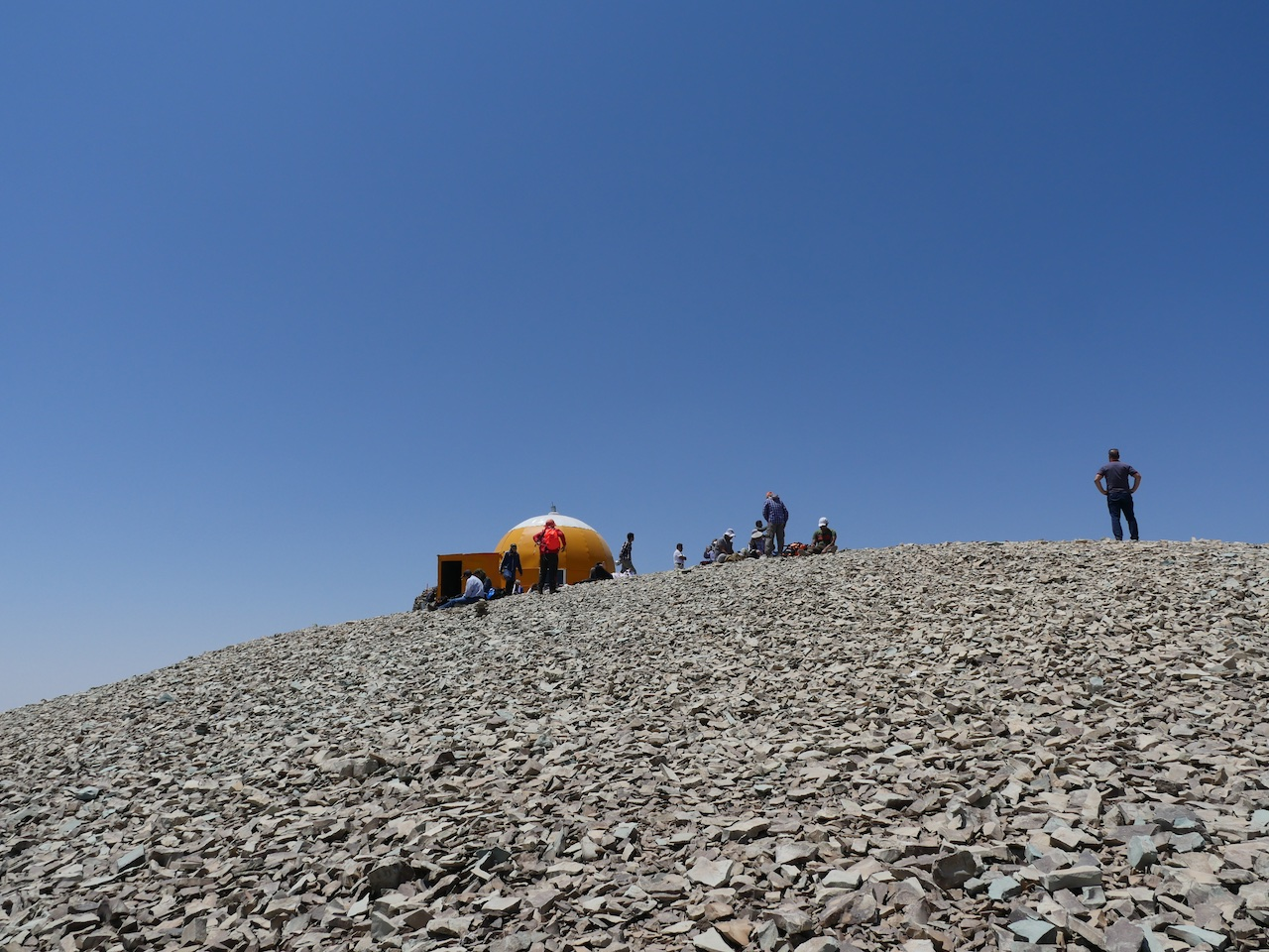 The summit shelter at Tochal